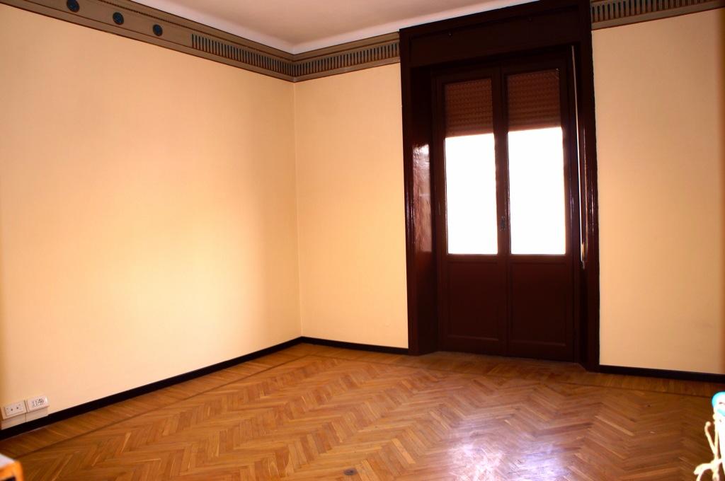 Stanze uso ufficio in appartamento condiviso for Stanza uso ufficio