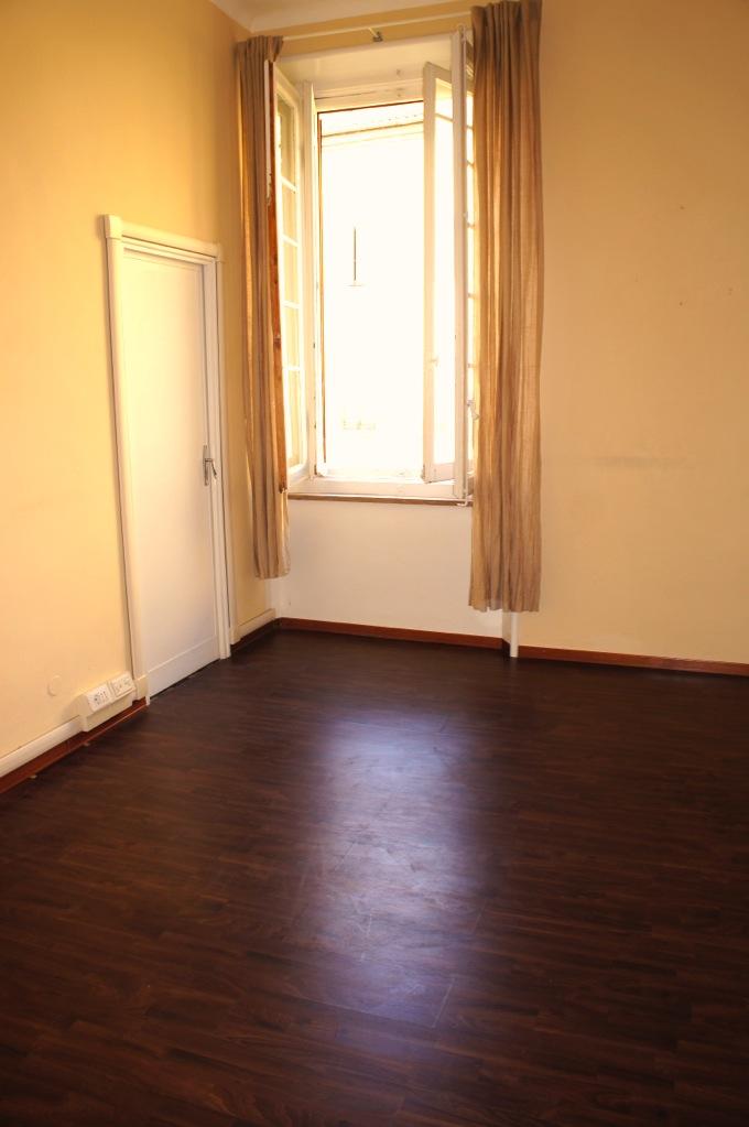 stanze uso ufficio in appartamento condiviso